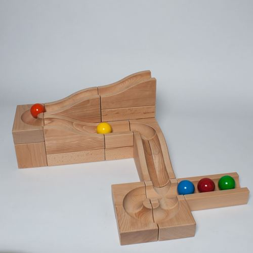 Picture of Deluxe Wooden Ball Track - Waves XL (19 Piece)