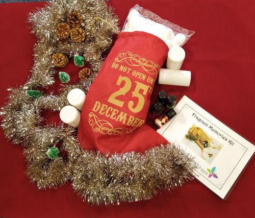 Fragrant Memories Kit - Christmas Special, sensory gift kit includes 4 seasonal scented oils 4 smelling pots cotton wool balls question prompt card and hessian storage stocking, size: stocking (l) 41cm